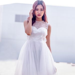 Đầm công chúa đính hạt ngọc trai - trắng